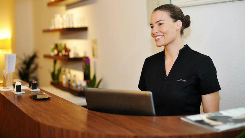 Elana behind reception cropped