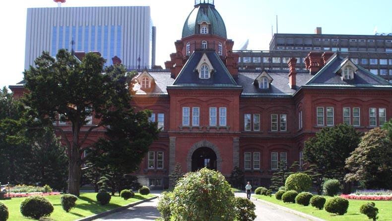 Hokkaido Old government office in Sapporo_PhotoBy_Sandra_Mileo