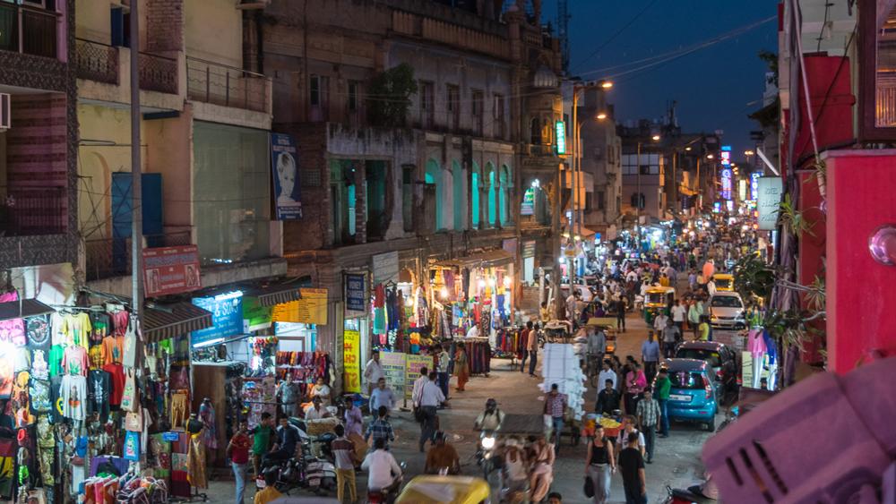 Delhi Street Scene cropped