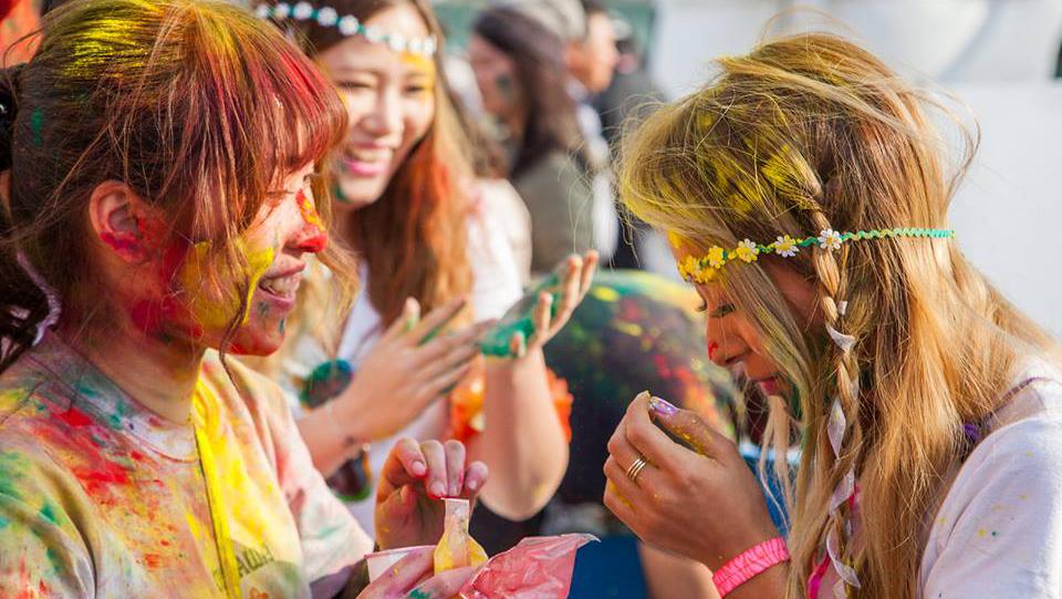 holi festival cropped