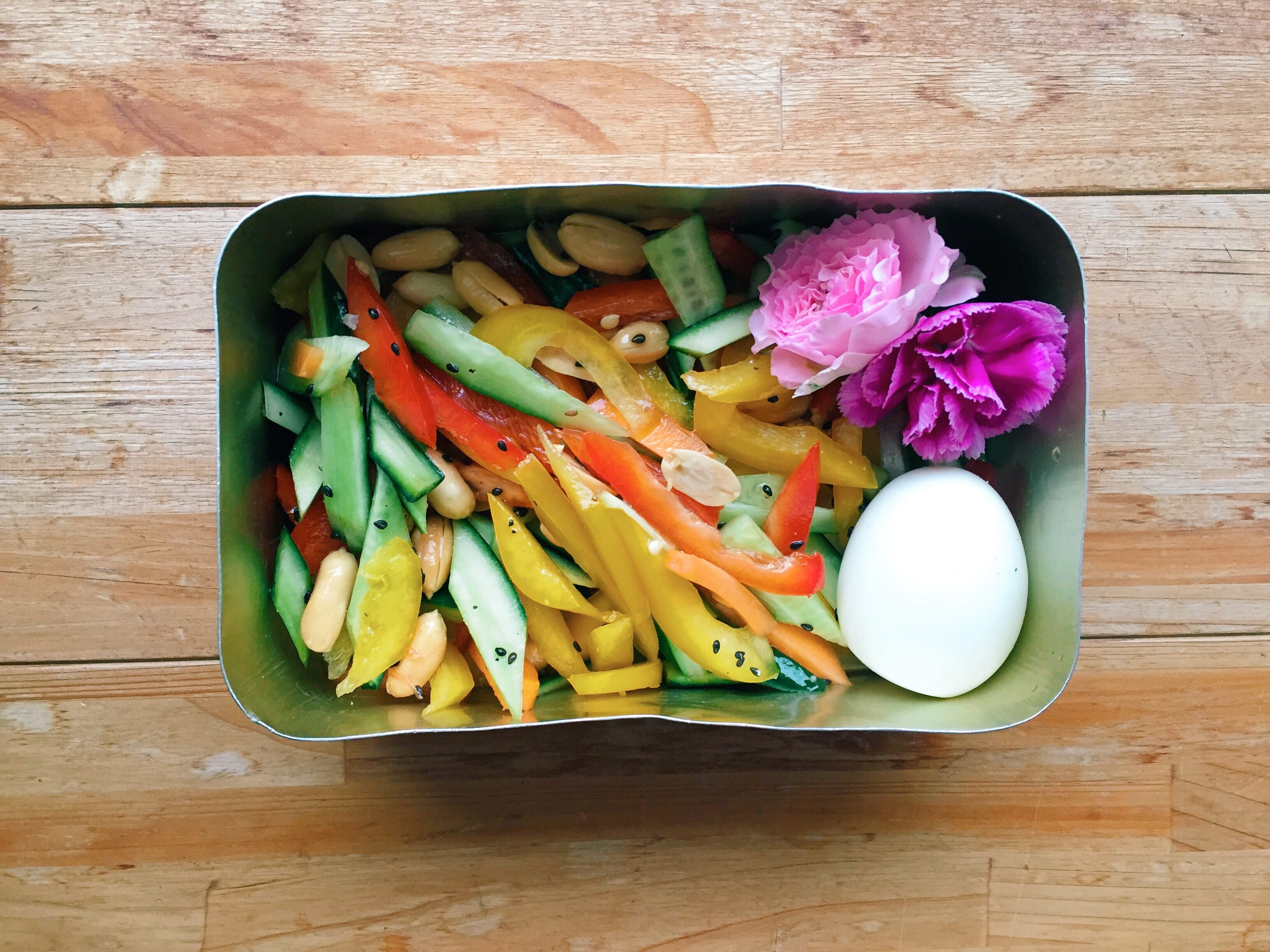 You can use your bento for salad too