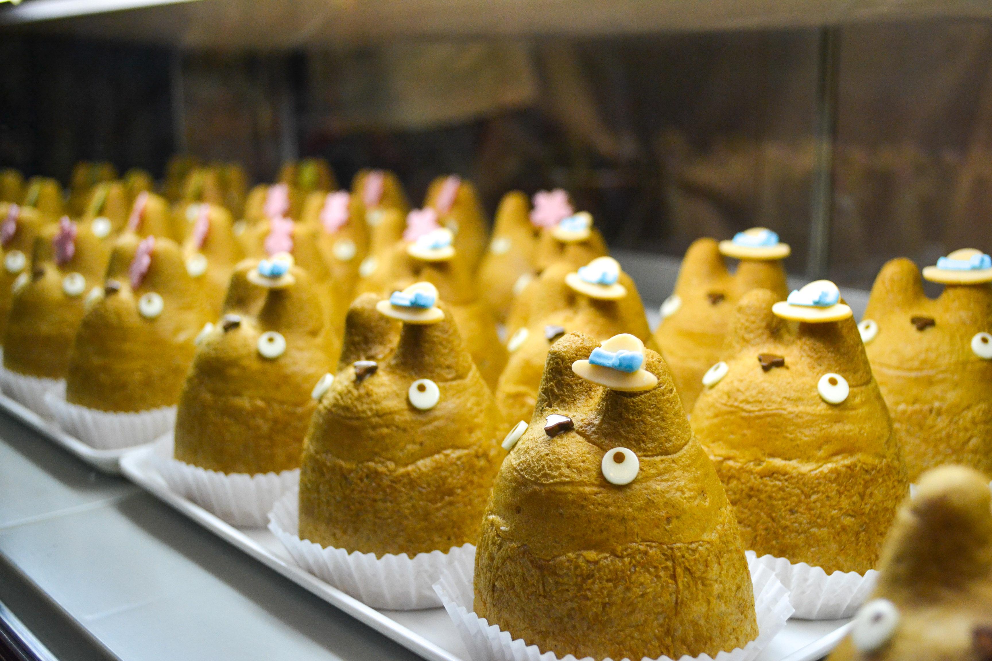 totoro-shirohige-cream-puff-factory-3