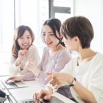 """Office Fashion - 4 Tips For """"Wearing It Right"""" At A Japanese Workplace"""