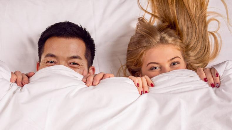 Foreigner dating online
