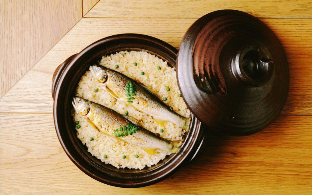 Rice with ayu fish at Iyaiya Sanbai Tokyo