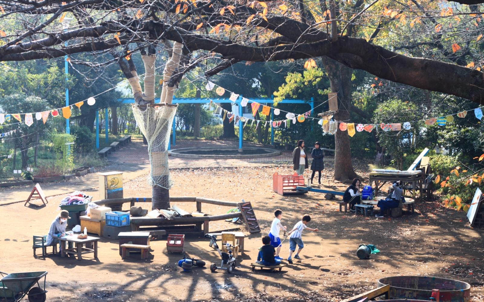 Cooling Down at 5 of Tokyo's Mud Parks-Shibuya Haru no Ogawa Play Park