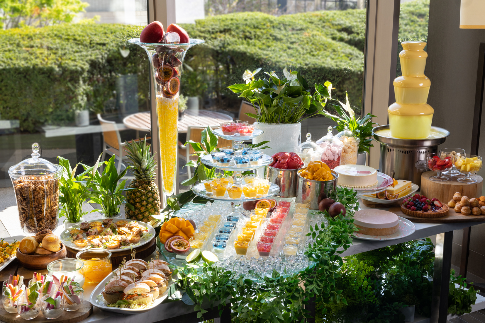 Grand Hyatt Summer Desserts Buffet
