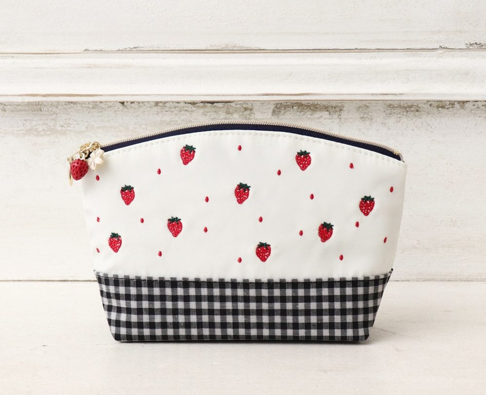Afternoon Tea Living- strawberry pouch