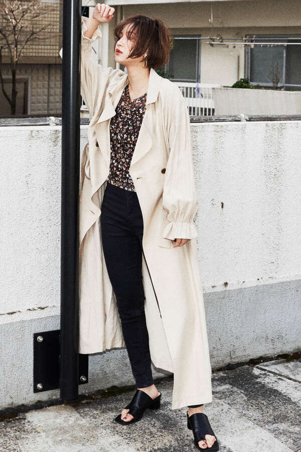 Top 5 Spring Fashion Trends In Tokyo 2020 4.Long Beige Trench Coat 2