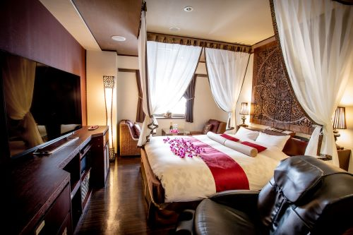 Japan's Love Hotels: 10 Hotels To Suit Every Taste - Shinjuku Bali - an