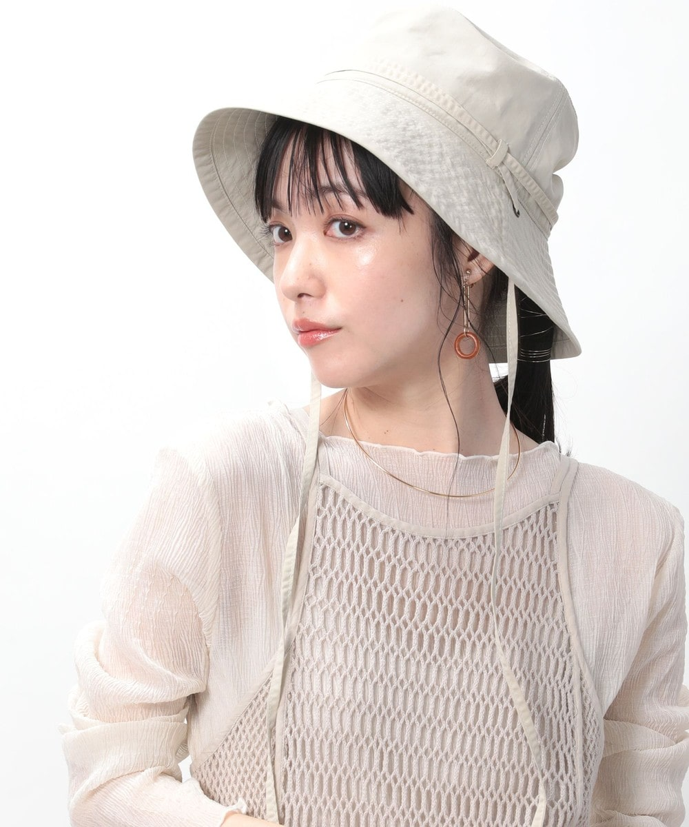 top-5-tokyo-summer-fashion-trends-2020 Beige bucket hat