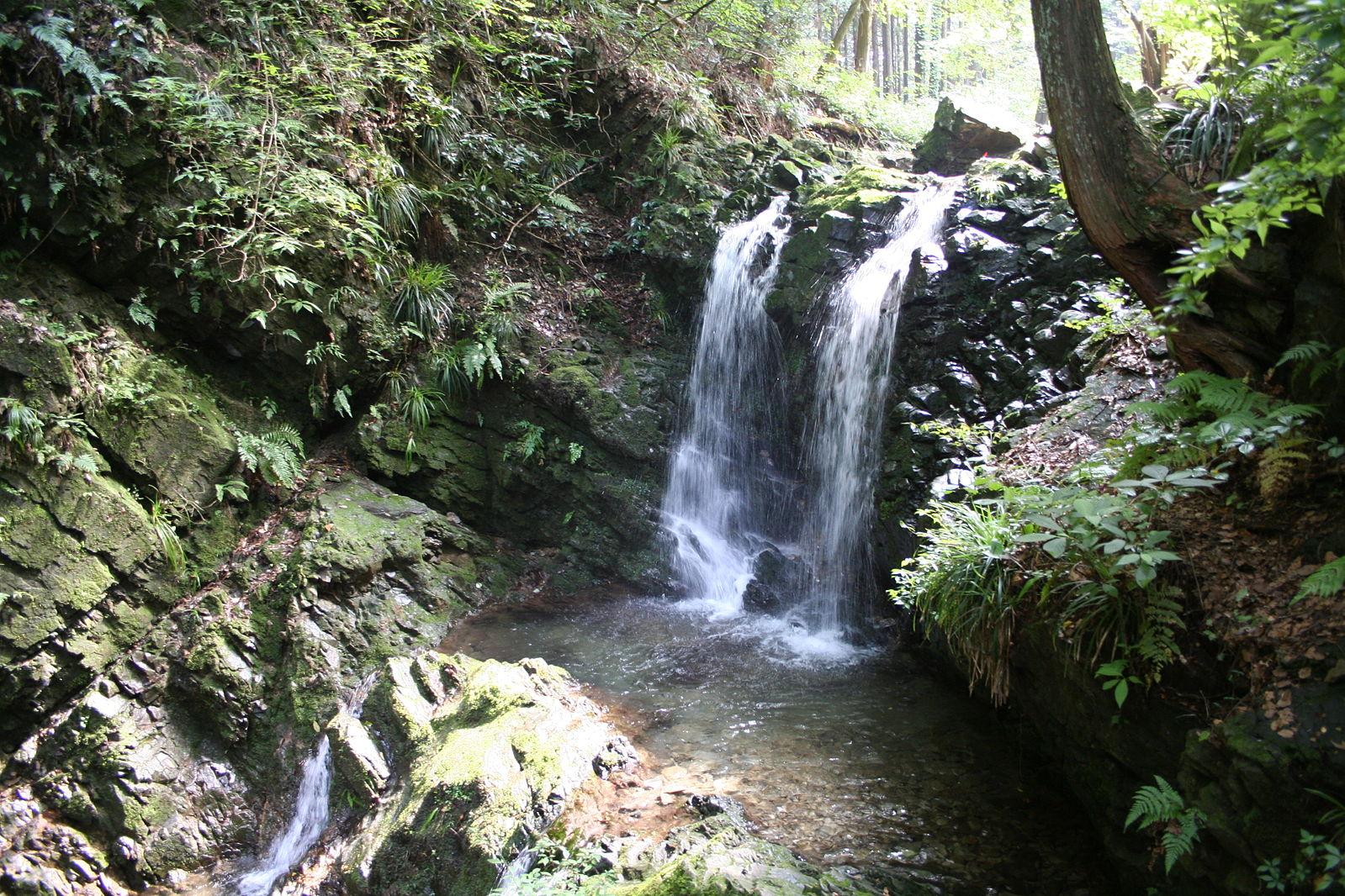 Hachioji Castle Waterfall