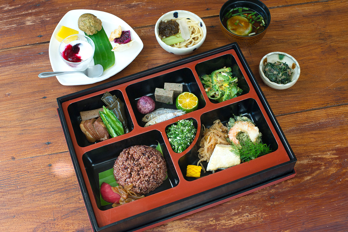 """Farm-to-table restaurant Emi no Mise offers Okinawan """"longevity cooking."""""""