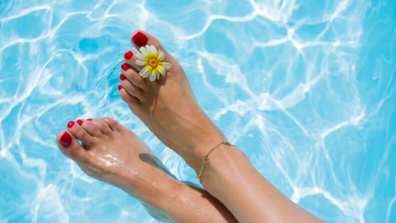 Your Summer Guide to At-Home Foot Care