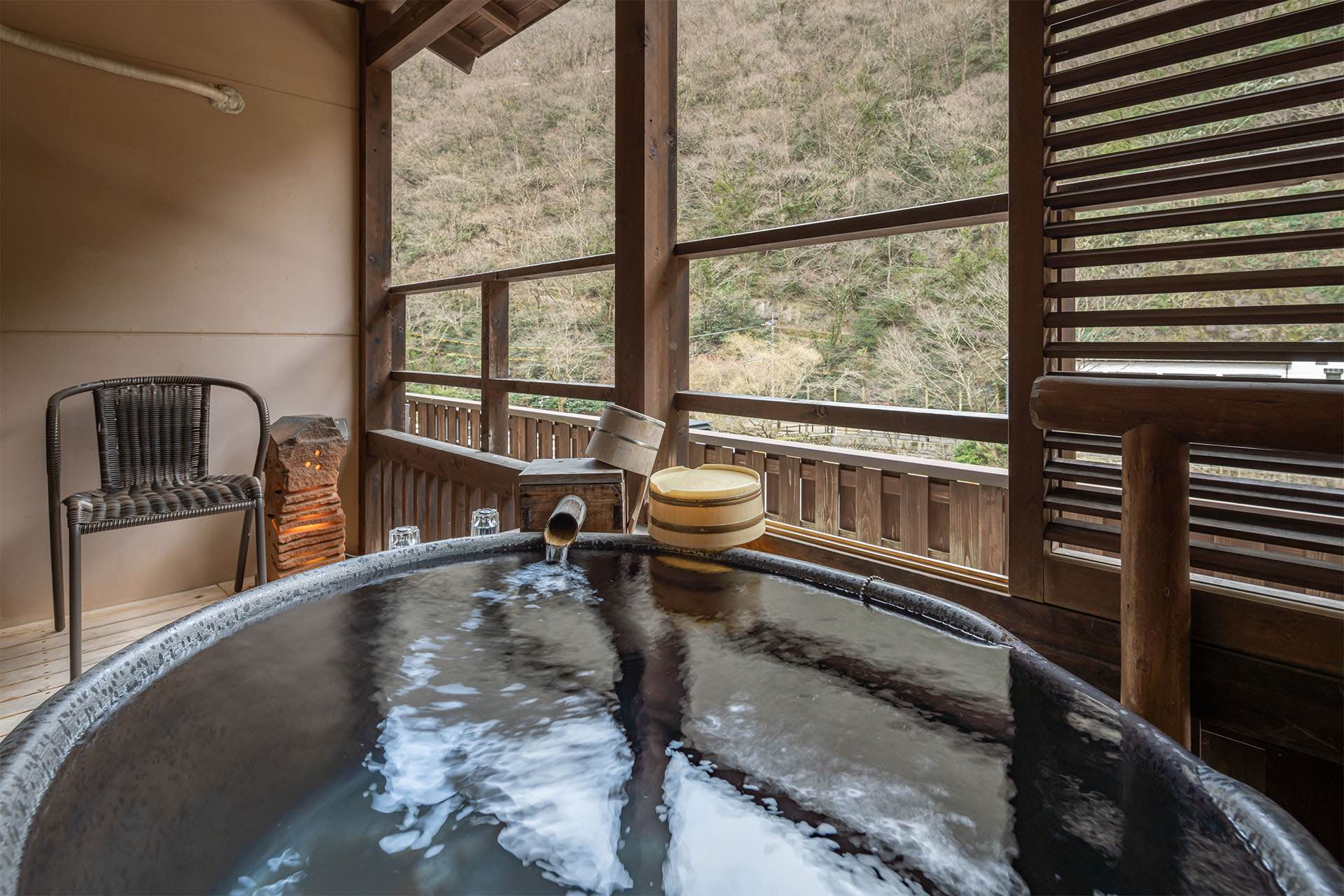 best onsen resort to visit this autumn hakkei in Okayakama